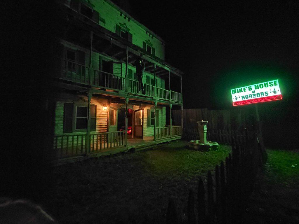 Monster_Corn_Maze_Haunted_Attraction_Missouri