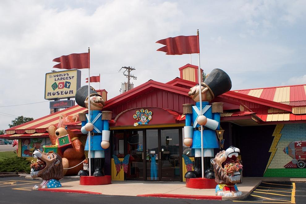 worlds largest toy mueseum coupons