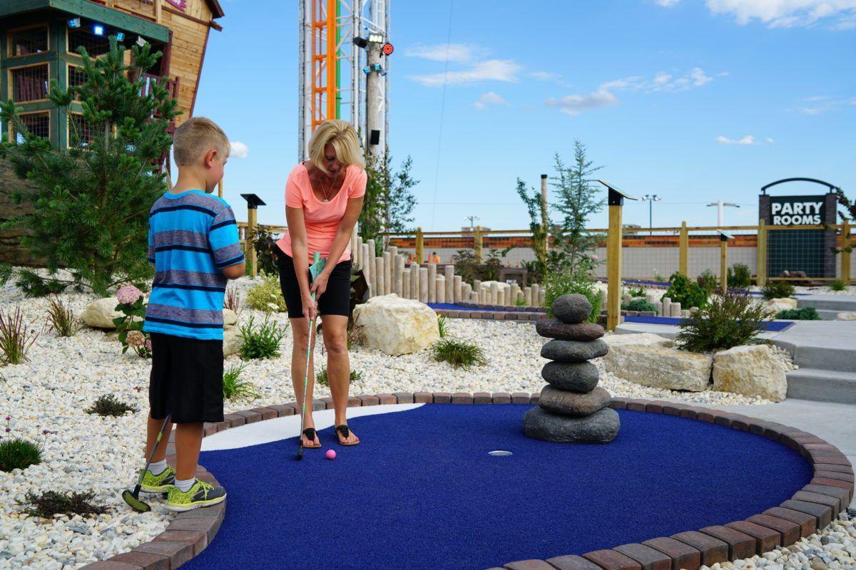 Bigfoot_Fun_Park__Branson_Mo_mini_golf