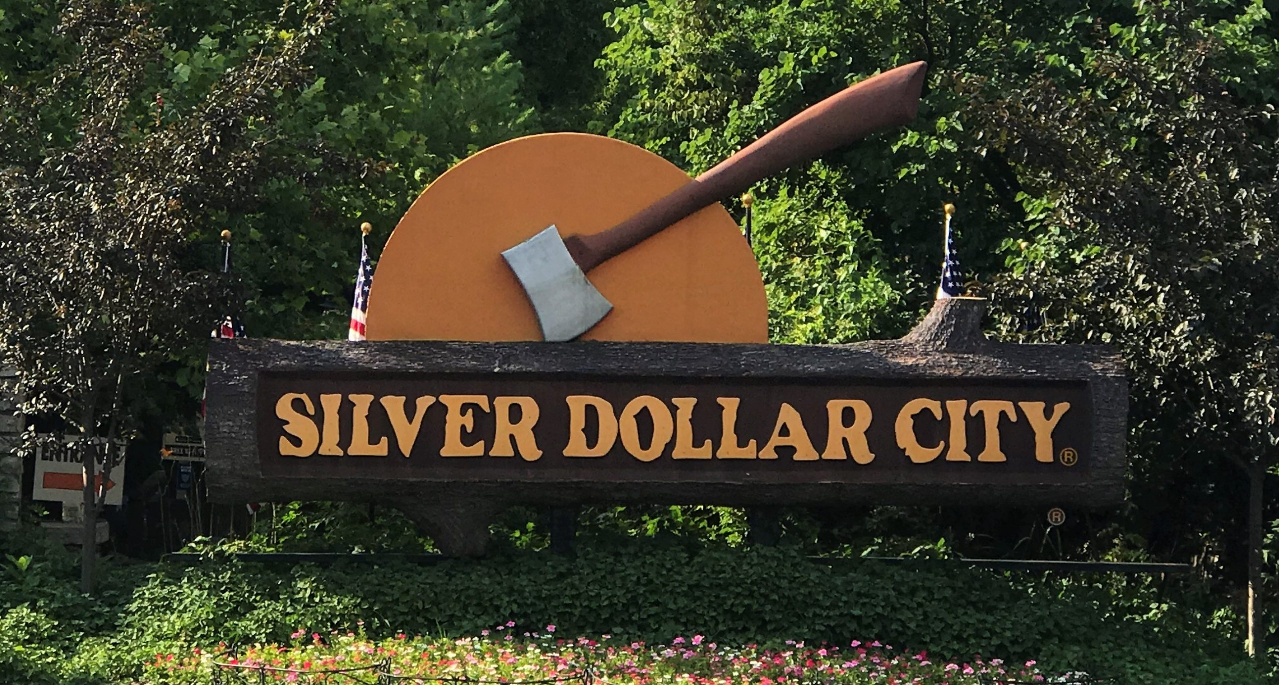 Silver_Dollar_City_Amusement_Park_Attraction_Branson_MO